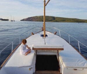 Classic-Boat-rental-Llaut-Capeador-Solarium-36-Fornells