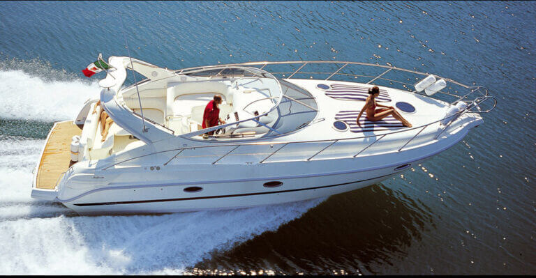 skippered-luxury-motor-boats-for-hiring-menorca