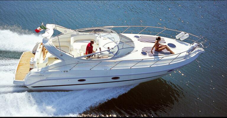 skippered-luxury-motor-boats-for-hiring-menorca