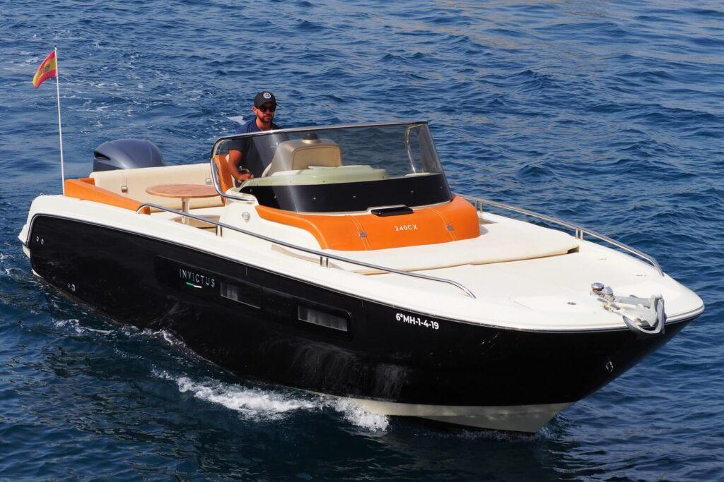 1-Zulu-motor-boat-hire-menorca