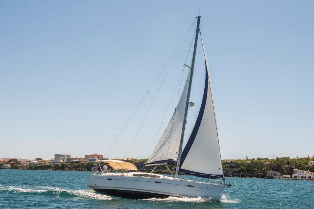 1-zulu-II-sailboat-rental-menorca