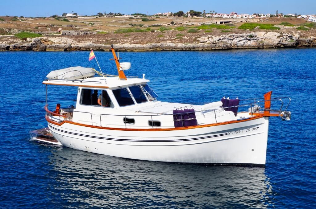 1-Blue-Sea-excursions-privées-bateau-minorque
