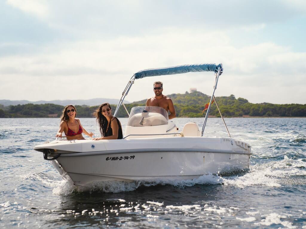 10-aria-yacht-location-bateau-moteur-minorque
