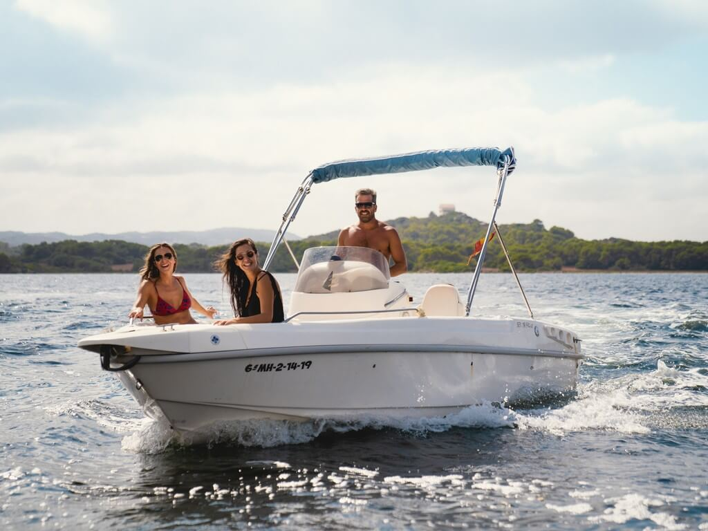 10-aria-yacht-motor-boat-hire-menorca
