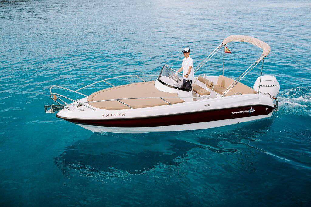 10-tramontana-21-cabin-motor-boat-hire-menorca