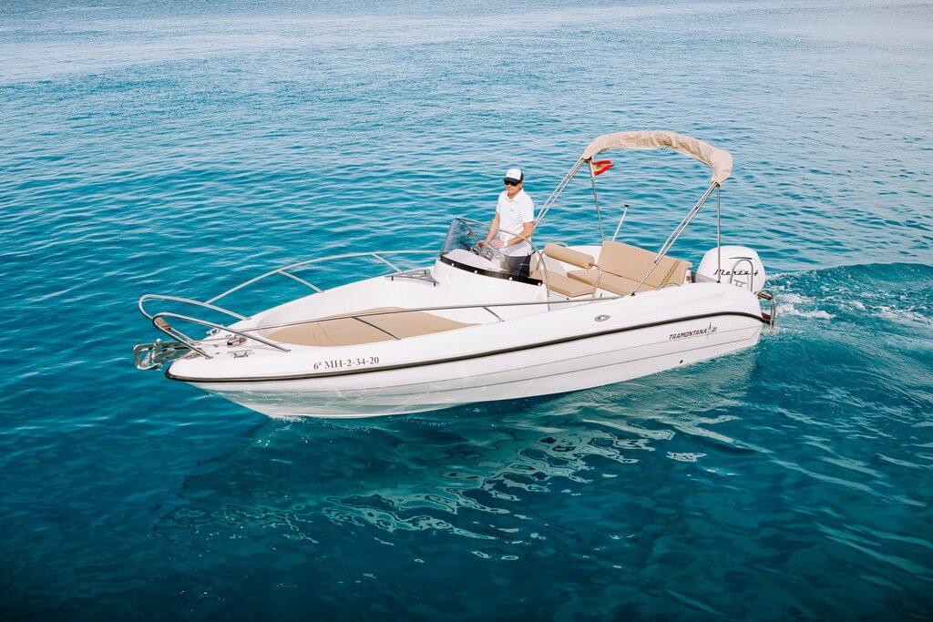 11-tramontana-21-open-motor-boat-hire-menorca