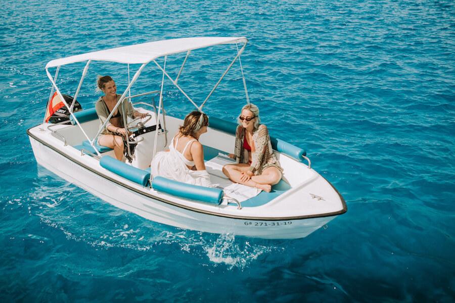 2-tramontana-500-boat-rental-without-license-galdana-menorca